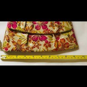HOBO Bags - NWT Hobo Floral Clutch